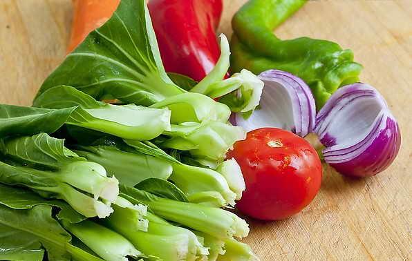 多吃绿叶蔬菜能保持大脑年轻